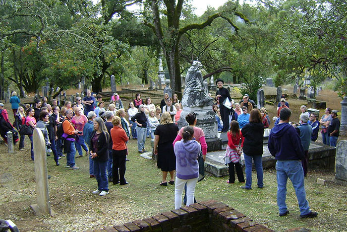 Riverside Cemetery Program Tour
